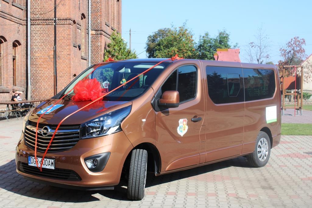 Rozpoczęcie roku szkolnego - Nowy bus_19