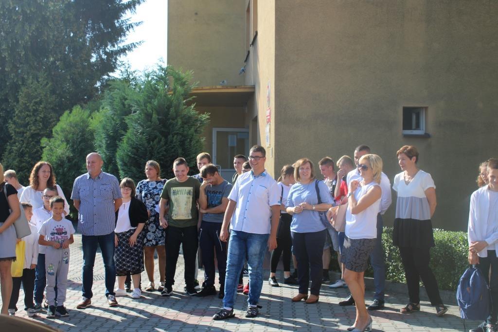 Rozpoczęcie roku szkolnego - Nowy bus_21