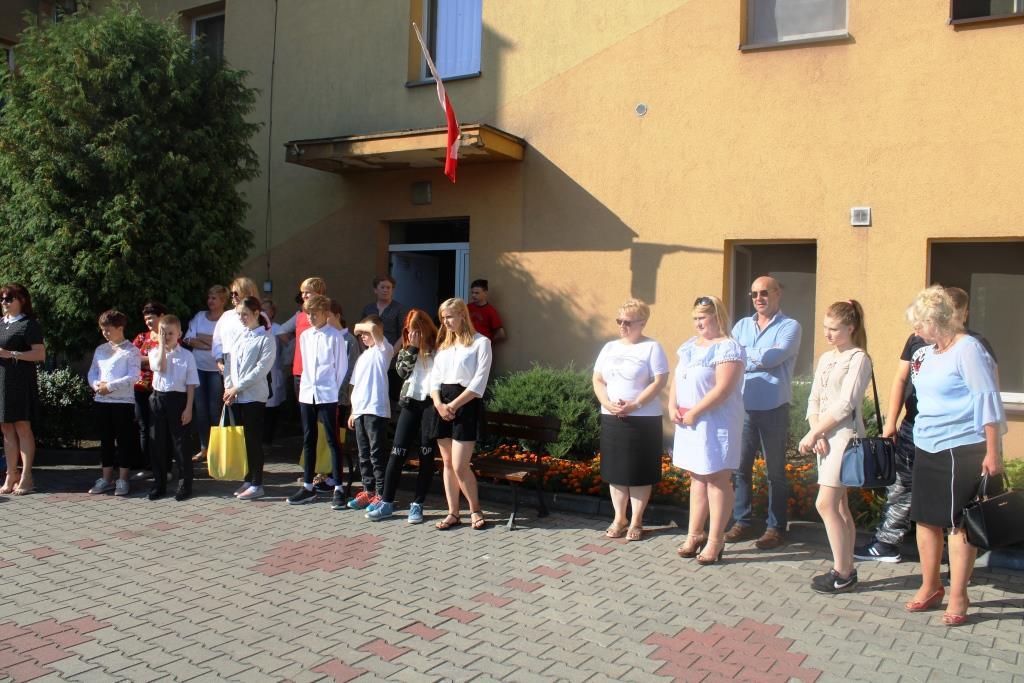 Rozpoczęcie roku szkolnego - Nowy bus_23