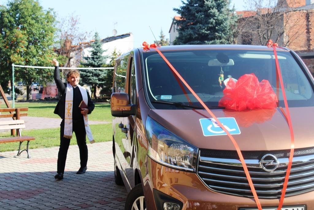 Rozpoczęcie roku szkolnego - Nowy bus_27