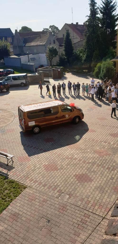 Rozpoczęcie roku szkolnego - Nowy bus_43