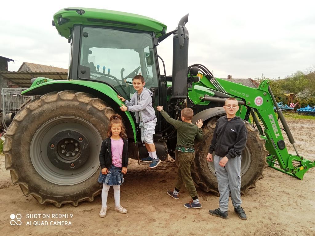 na-traktorze